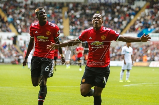 FOOTBALL - ENGLISH CHAMP - SWANSEA CITY v MANCHESTER UNITED