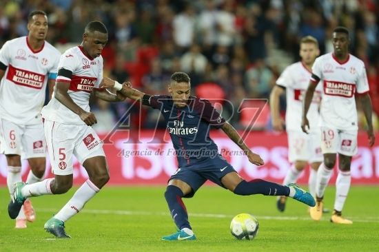 FOOTBALL - FRENCH CHAMP - L1 - PARIS SAINT-GERMAIN v TOULOUSE